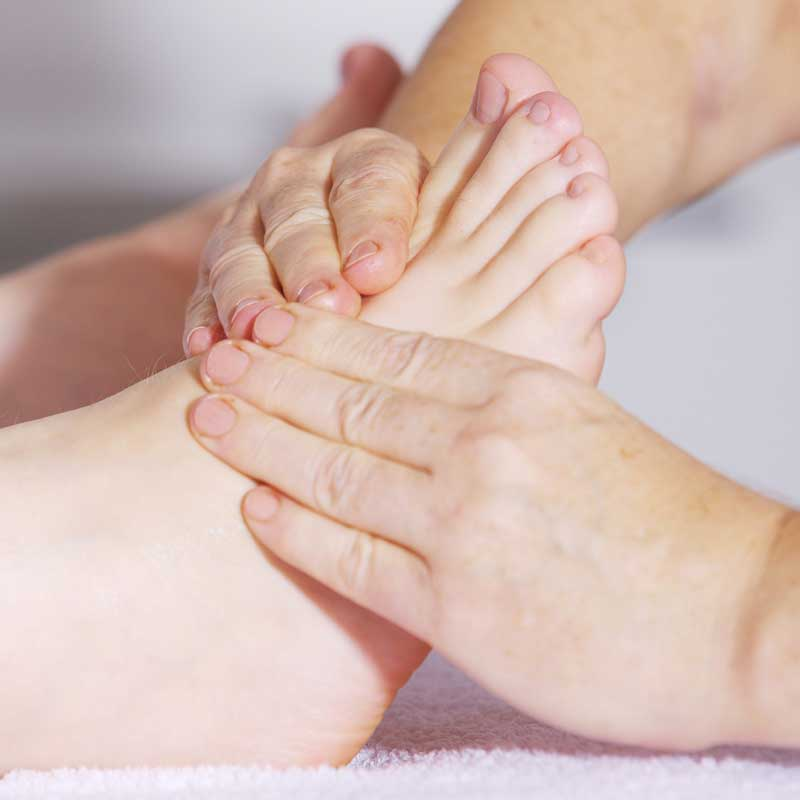 foot massage 2133279 800q - Anja Muckle Ergotherapie Sankt Georgen