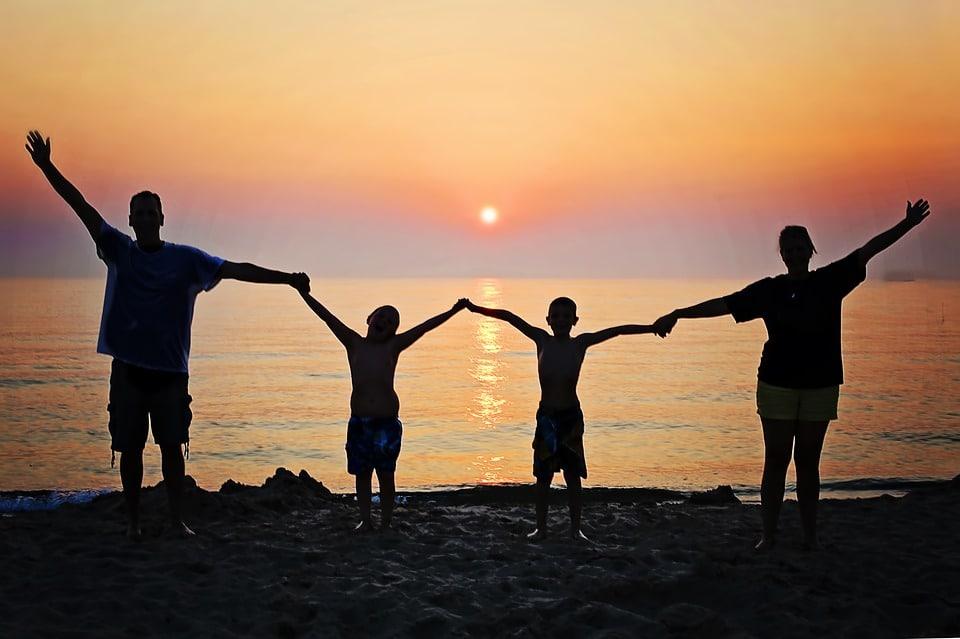 family sunset - 13.07.18 Workshop Hautpflege